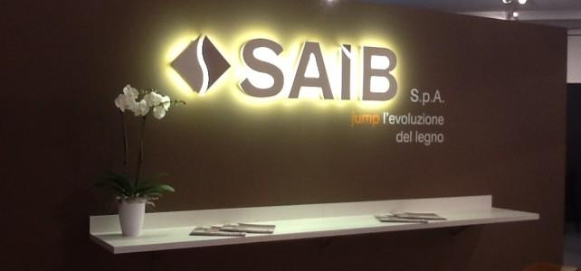 """Stand fieristico della società """"SAIB spa"""" produttrice di pannelli per arredamento"""